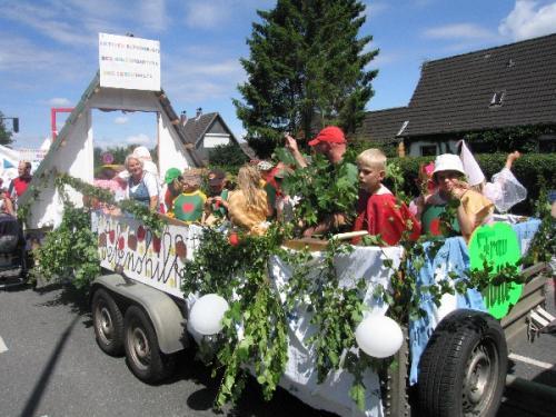 2009 Vogelschießen, Museumswagen, Frau Holle